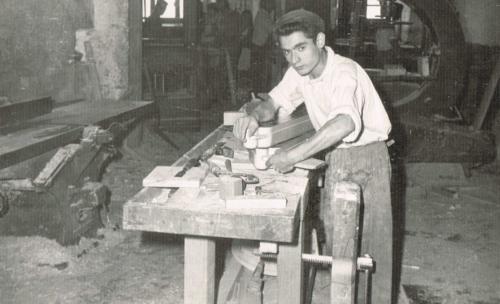Trabajadores en el taller: Manolo Ropero