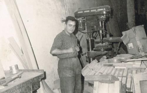 Trabajadores en el taller: Carlos García
